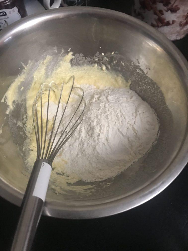 Фото рецепта - Новогоднее песочное печенье - шаг 5