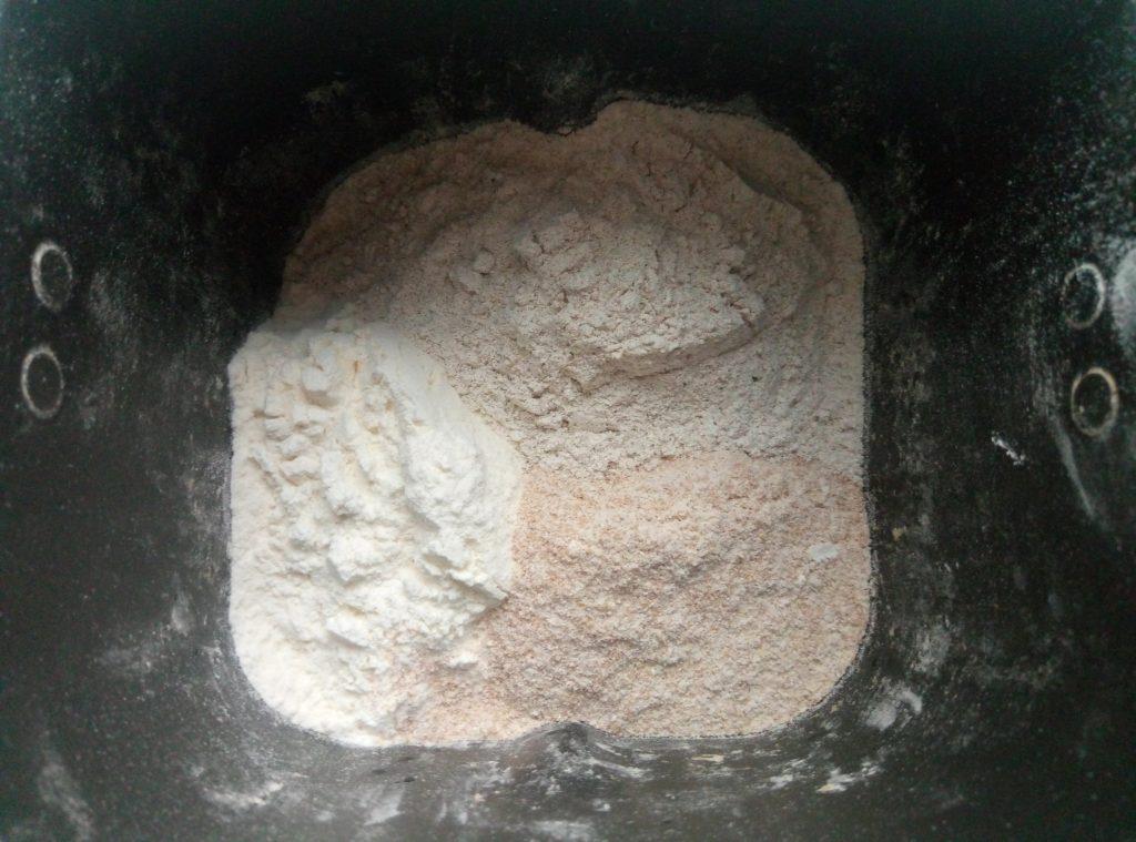 """Фото рецепта - Хлеб из дрожжевого теста """"Максимум пользы"""",  в хлебопечке - шаг 5"""