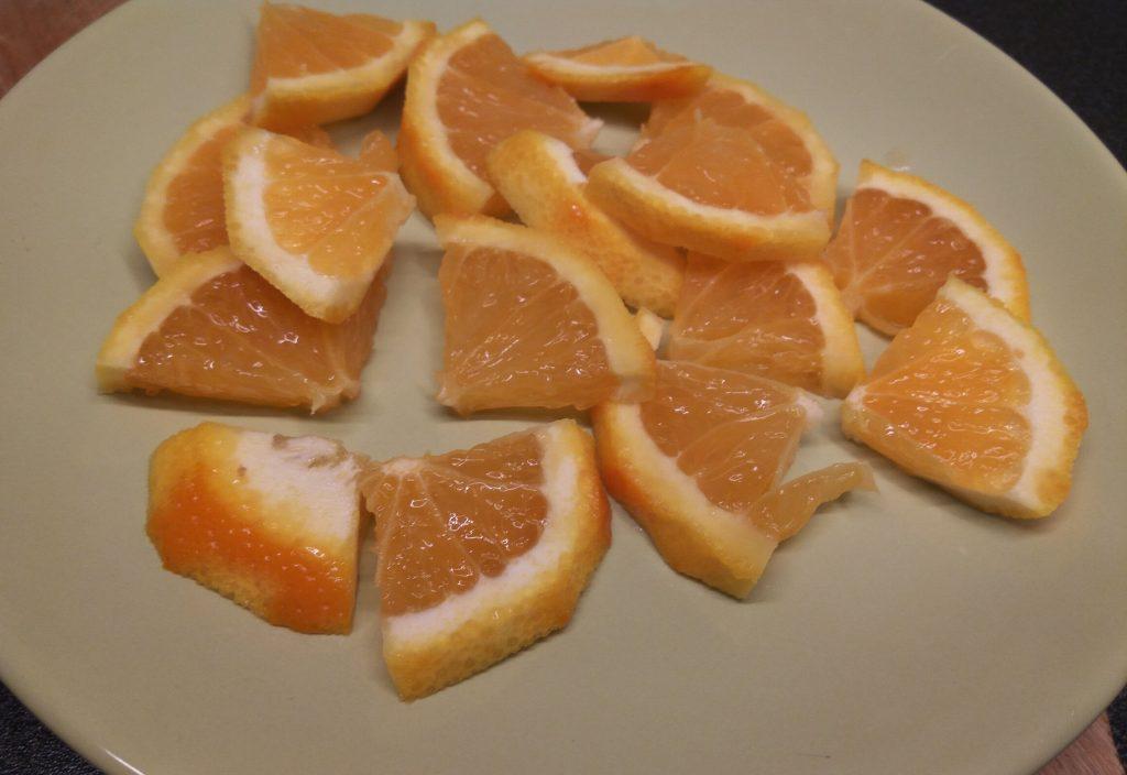 Фото рецепта - Чай с ягодами, апельсином и имбирем - шаг 4