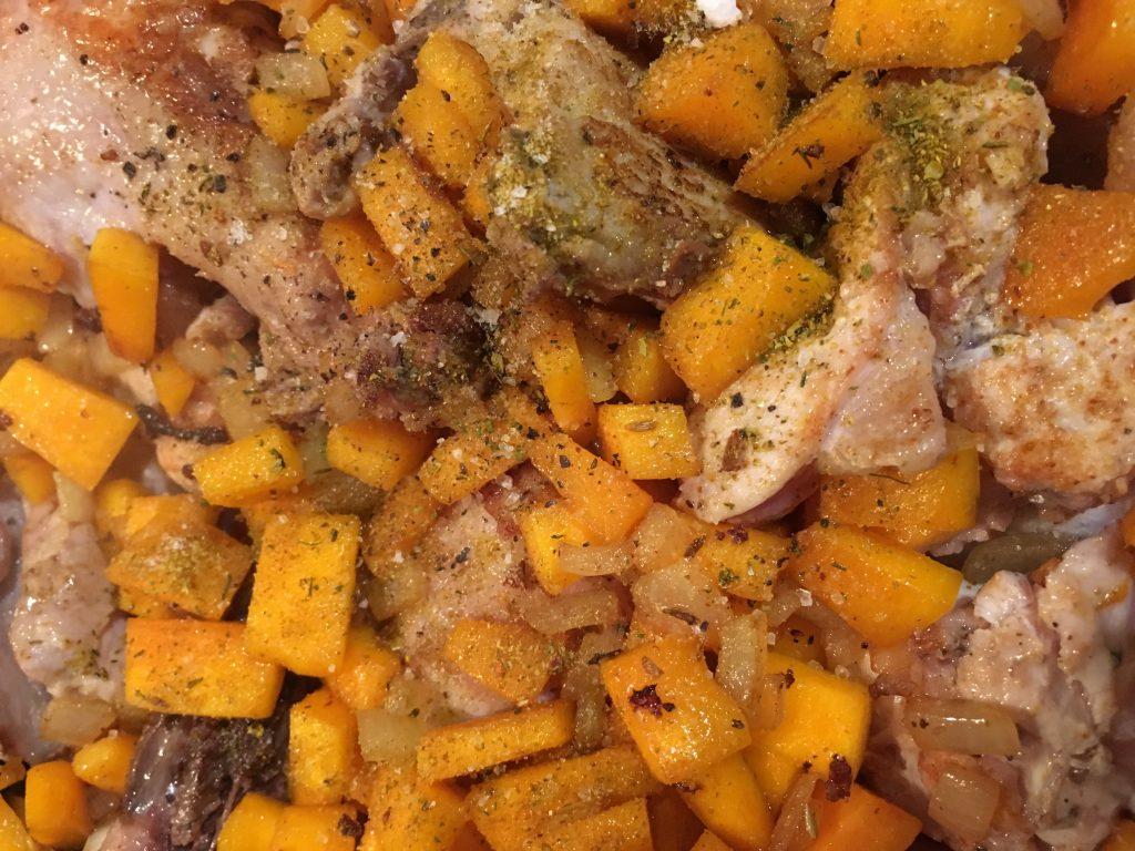 Фото рецепта - Курица с тыквой в тажине - шаг 7