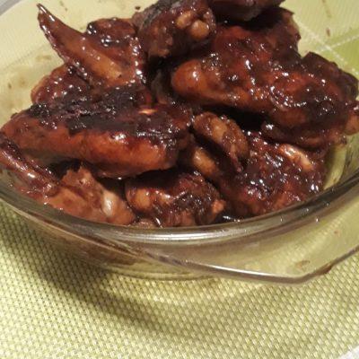 Фото рецепта - Куриные крылышки в маринаде из соевого соуса на гриле - шаг 4