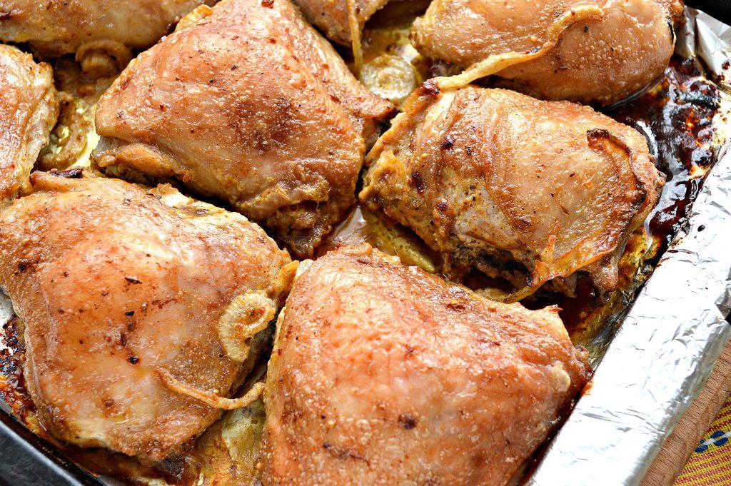 Фото рецепта - Куриный шашлык в духовке на противне - шаг 6