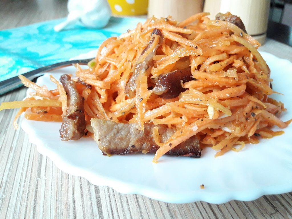 """Фото рецепта - Салат """"Морковь по-корейски"""" с мясом - шаг 5"""