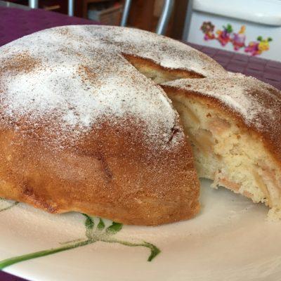 Фото рецепта - Пирог с яблоками и корицей в мультиварке - шаг 7