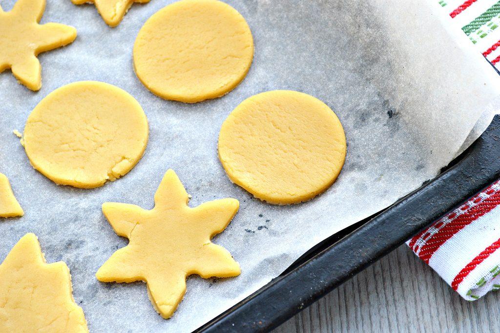 Фото рецепта - Домашнее печенье из песочного теста - шаг 7