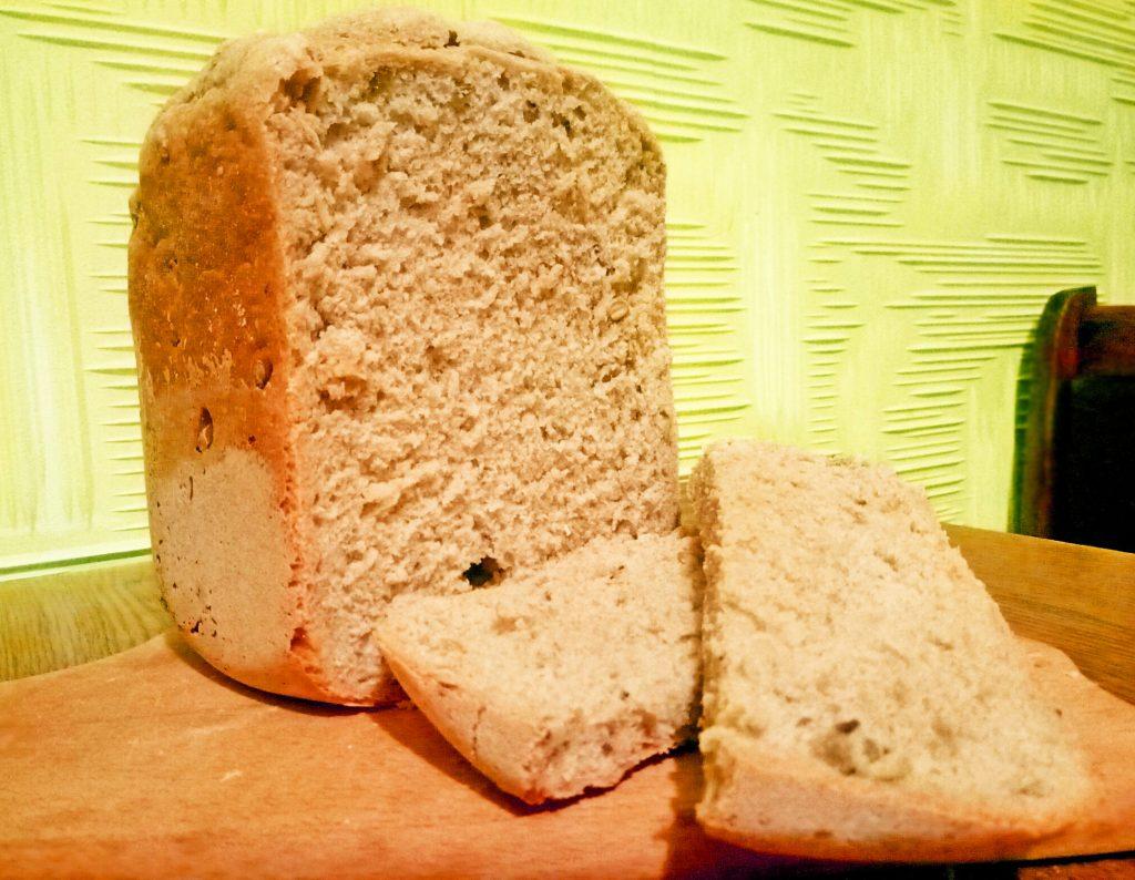 """Фото рецепта - Хлеб из дрожжевого теста """"Максимум пользы"""",  в хлебопечке - шаг 8"""
