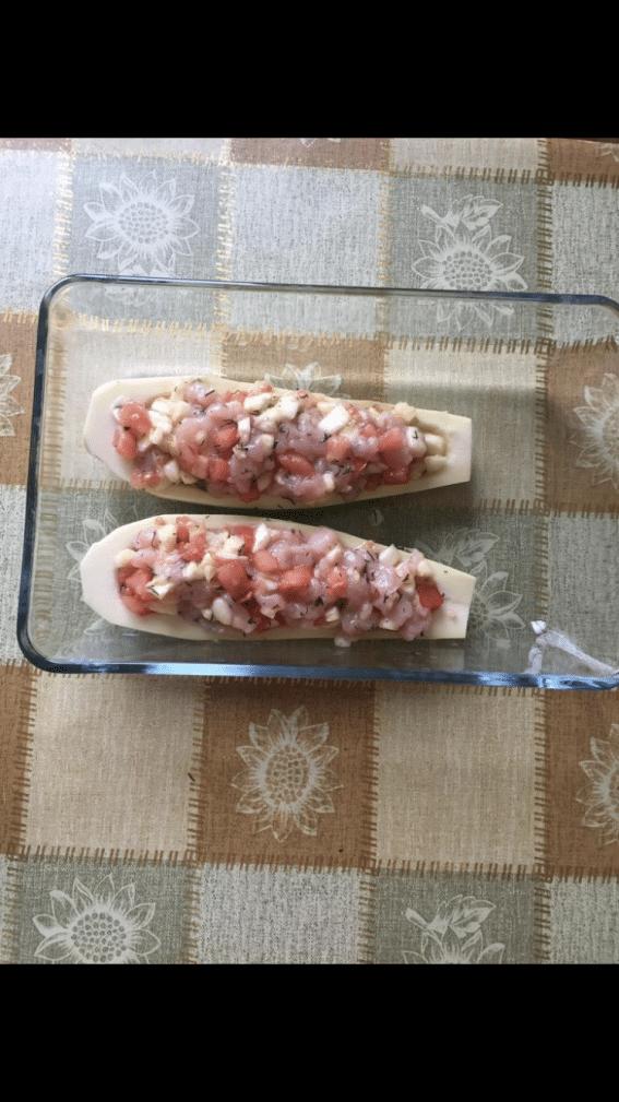 Фото рецепта - «Лодочки» – фаршированные кабачки с курицей и томатами - шаг 6