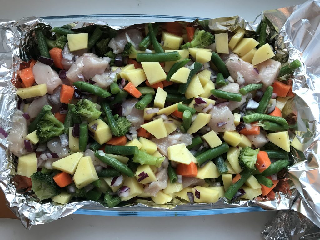 Фото рецепта - Овощное рагу с курицей в духовке - шаг 4