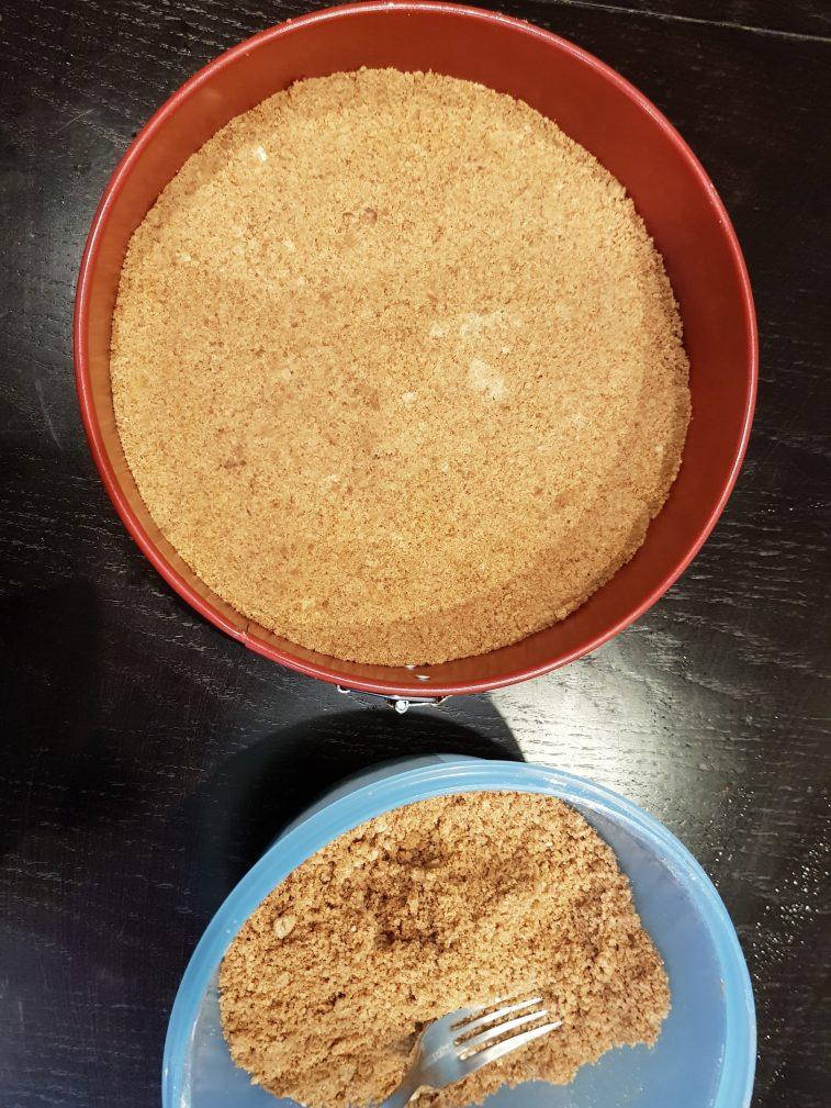 Фото рецепта - Открытый творожный пирог для детей - шаг 3