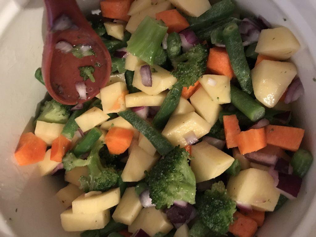 Фото рецепта - Овощное рагу с курицей в духовке - шаг 3