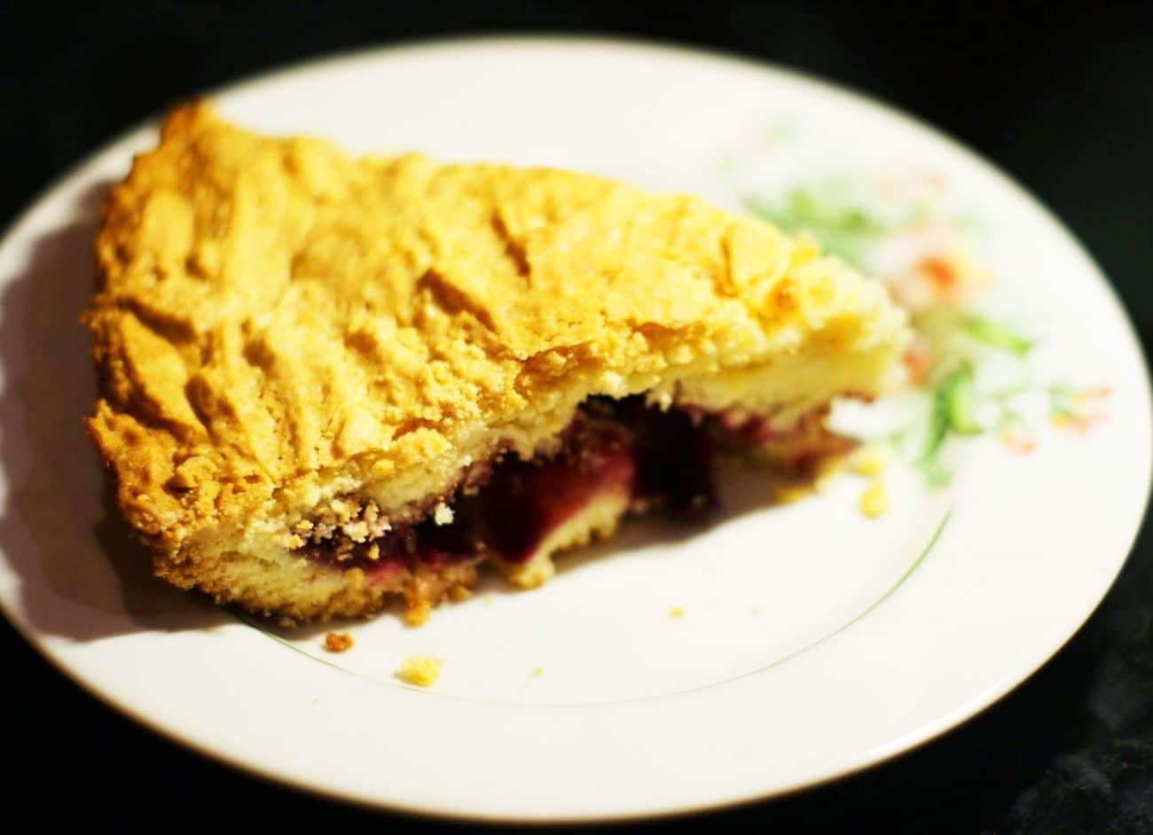 Вишневый пирог на сметане