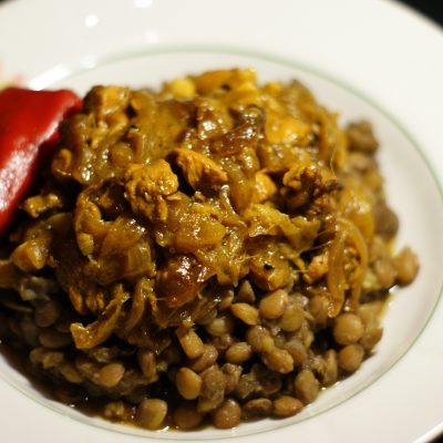 Фото рецепта - Тушеное куриное филе в соусе карри - шаг 12