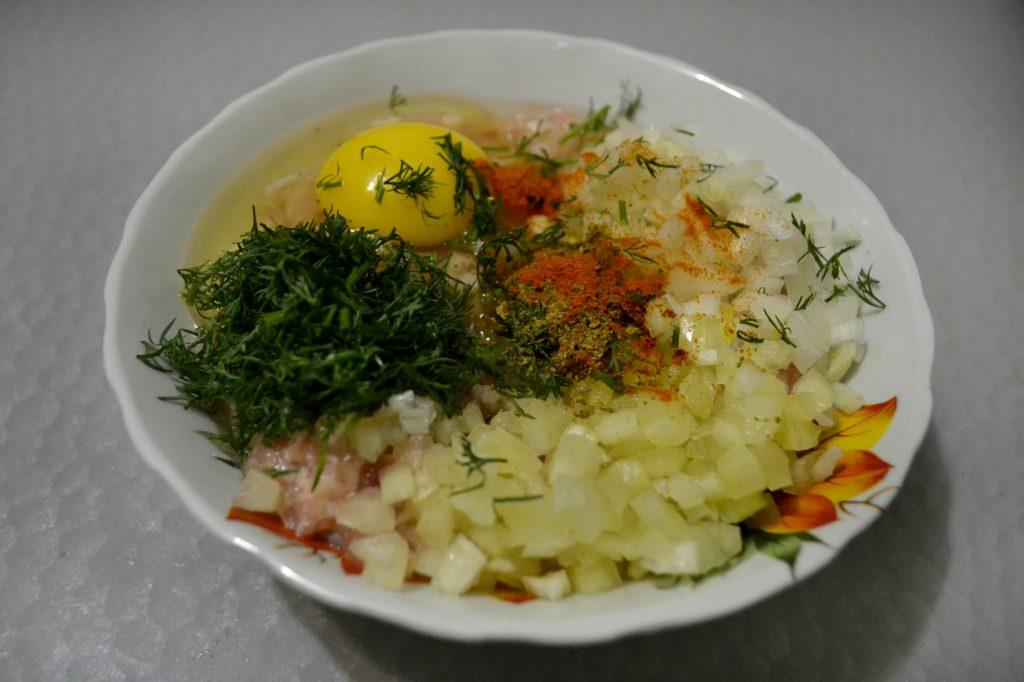 Фото рецепта - Куриный люля-кебаб в духовке - шаг 2