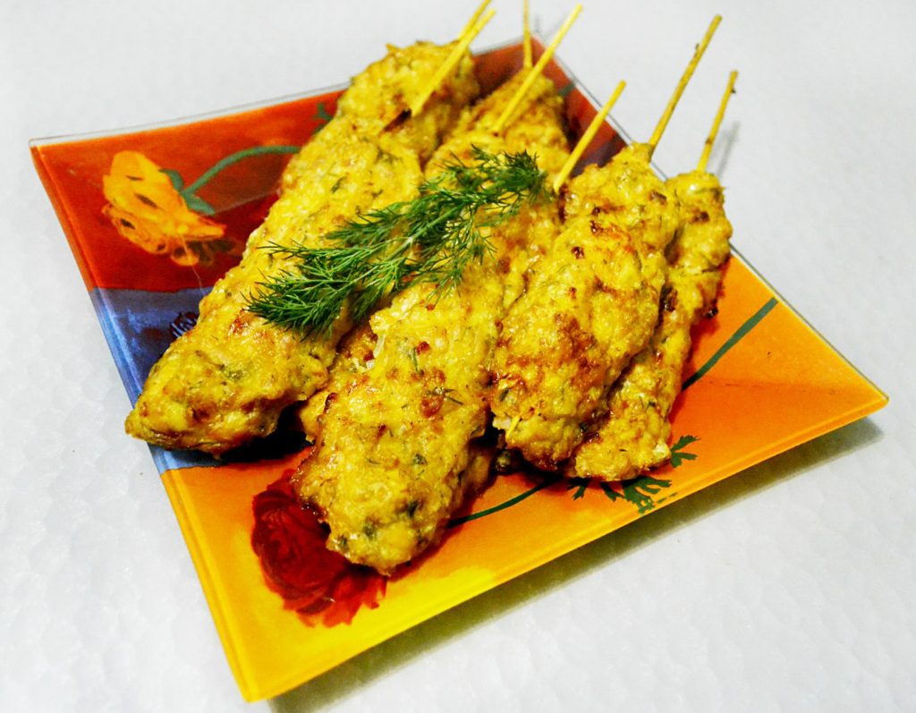 Фото рецепта - Куриный люля-кебаб в духовке - шаг 5
