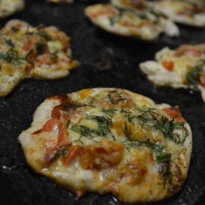Фото рецепта - Запеченные куриные отбивные под сыром - шаг 4