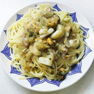 Спагетти с морепродуктами - рецепт с фото