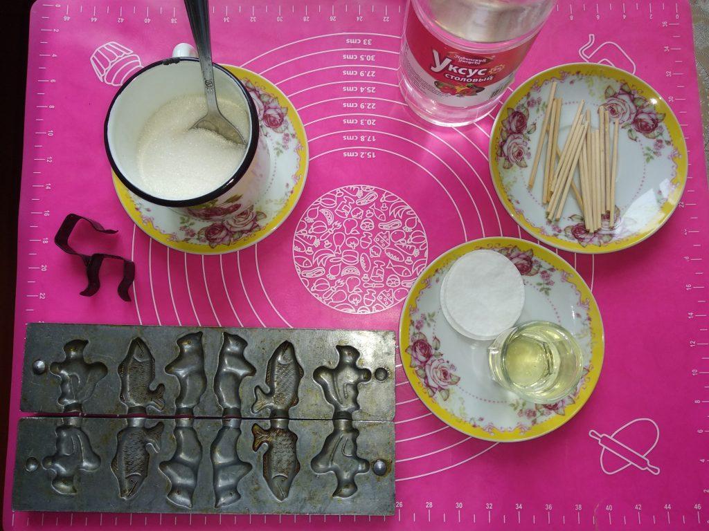 Фото рецепта - Как сделать конфеты-леденцы на палочке - шаг 1