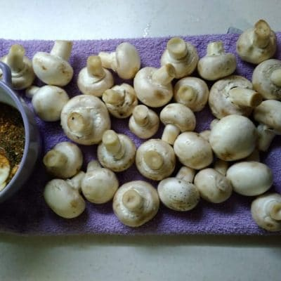 Фото рецепта - Запеченые шампиньоны в соусе - шаг 1