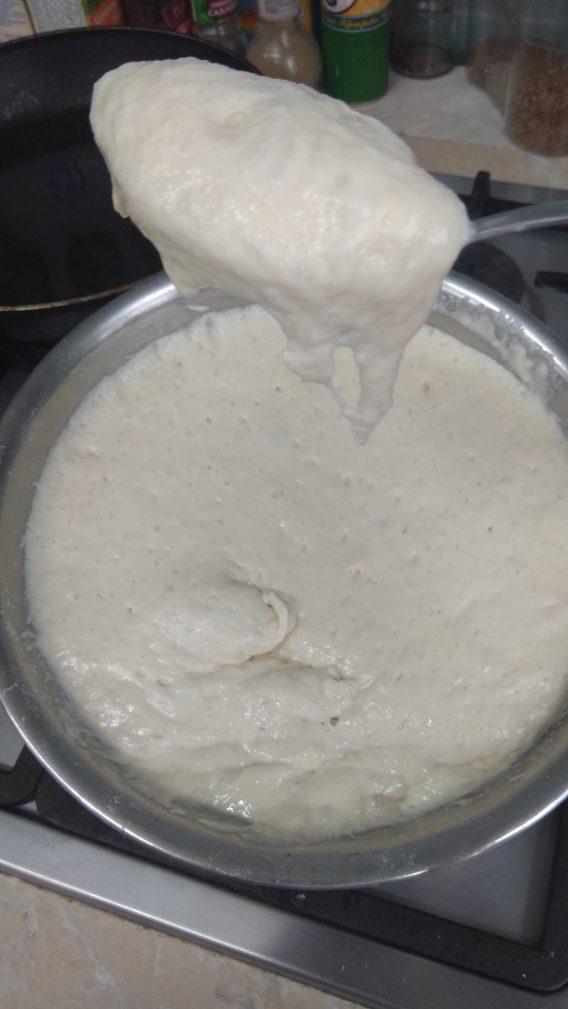 Фото рецепта - Постная кухня – пышные оладьи на дрожжах - шаг 6
