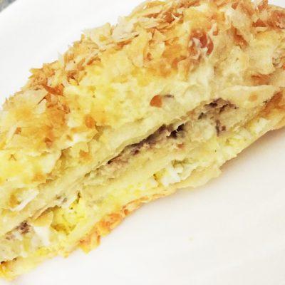 Слоеный пирог с сардиной и яйцами - рецепт с фото
