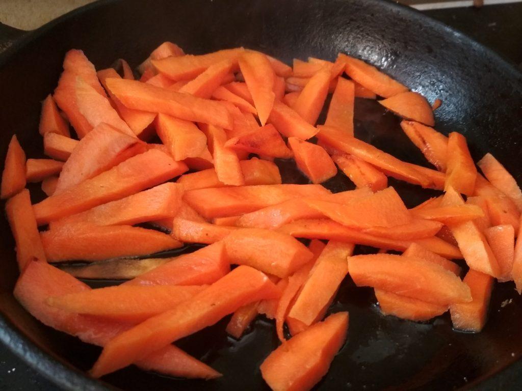 Фото рецепта - Осенние овощи с рассольным сыром - шаг 2