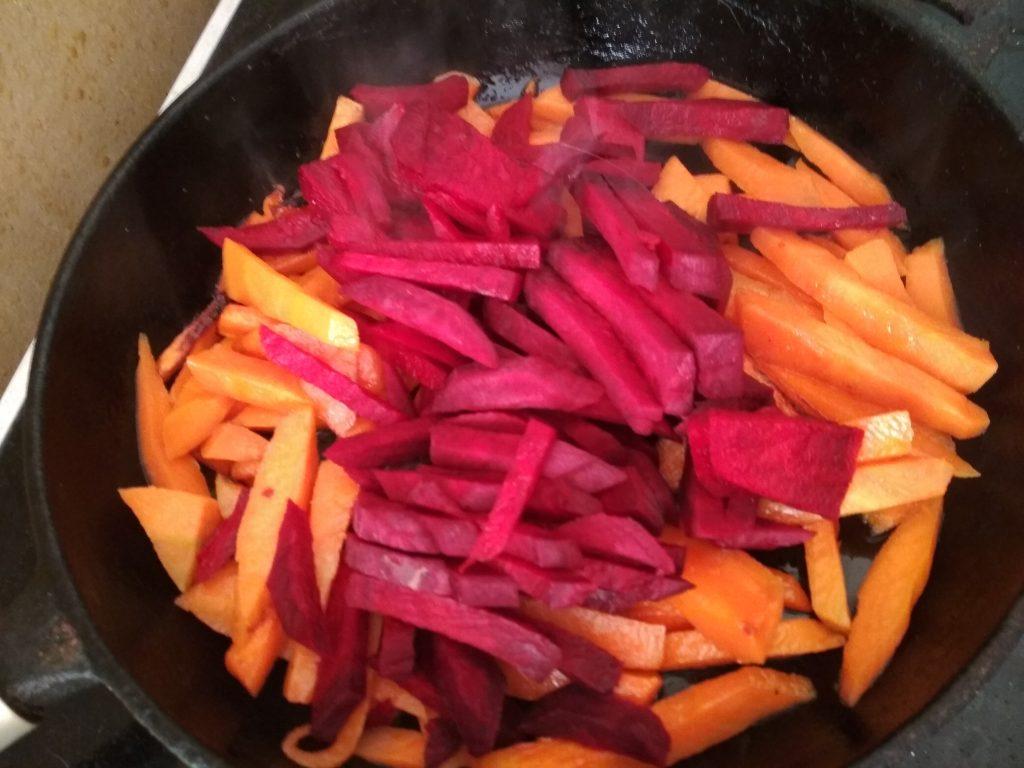 Фото рецепта - Осенние овощи с рассольным сыром - шаг 3