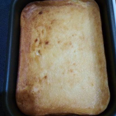 Фото рецепта - Творожная запеканка с манкой из мягкого творога - шаг 5