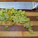 Фото рецепта - Красный борщ из кролика с перцем - шаг 2