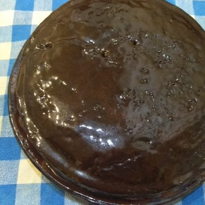 Фото рецепта - Шоколадный пирог с курагой без яиц и молока - шаг 7