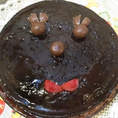 Шоколадный пирог с курагой без яиц и молока - рецепт с фото