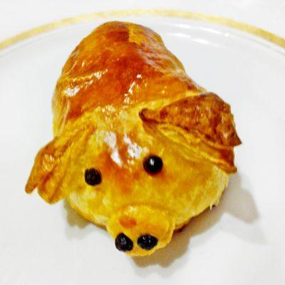 """Пирожки из слоеного теста """"Свинки"""" - рецепт с фото"""
