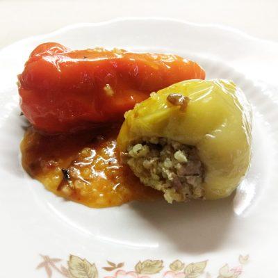 Перец фаршированный пшеном и шпротами - рецепт с фото