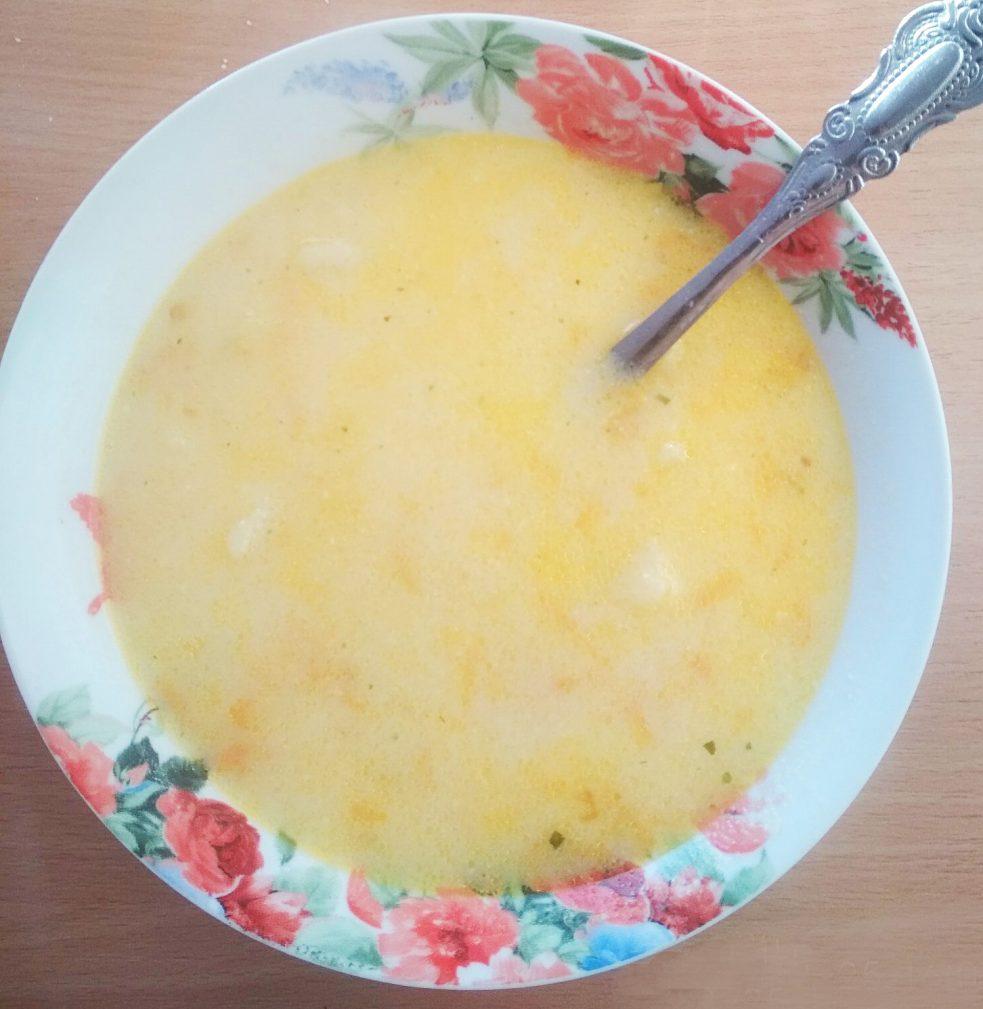 Фото рецепта - Суп сырный с картофелем (без мяса) - шаг 6