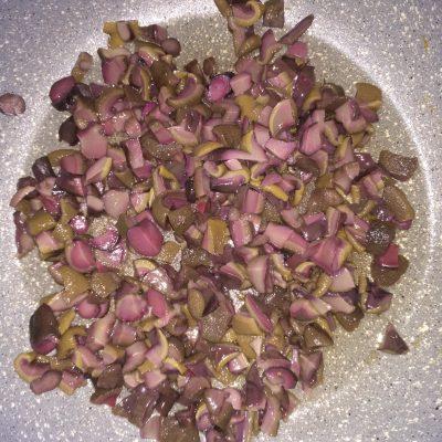 Фото рецепта - Картофельные зразы с грибами - шаг 4