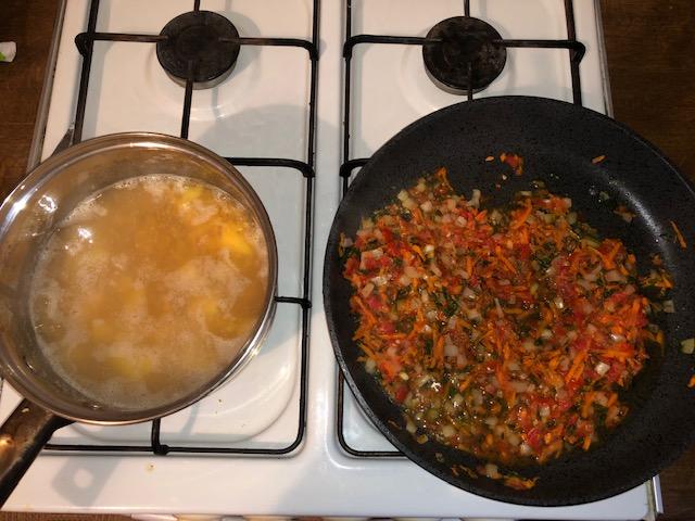 Фото рецепта - Суп-пюре с чечевицей и томатами - шаг 6