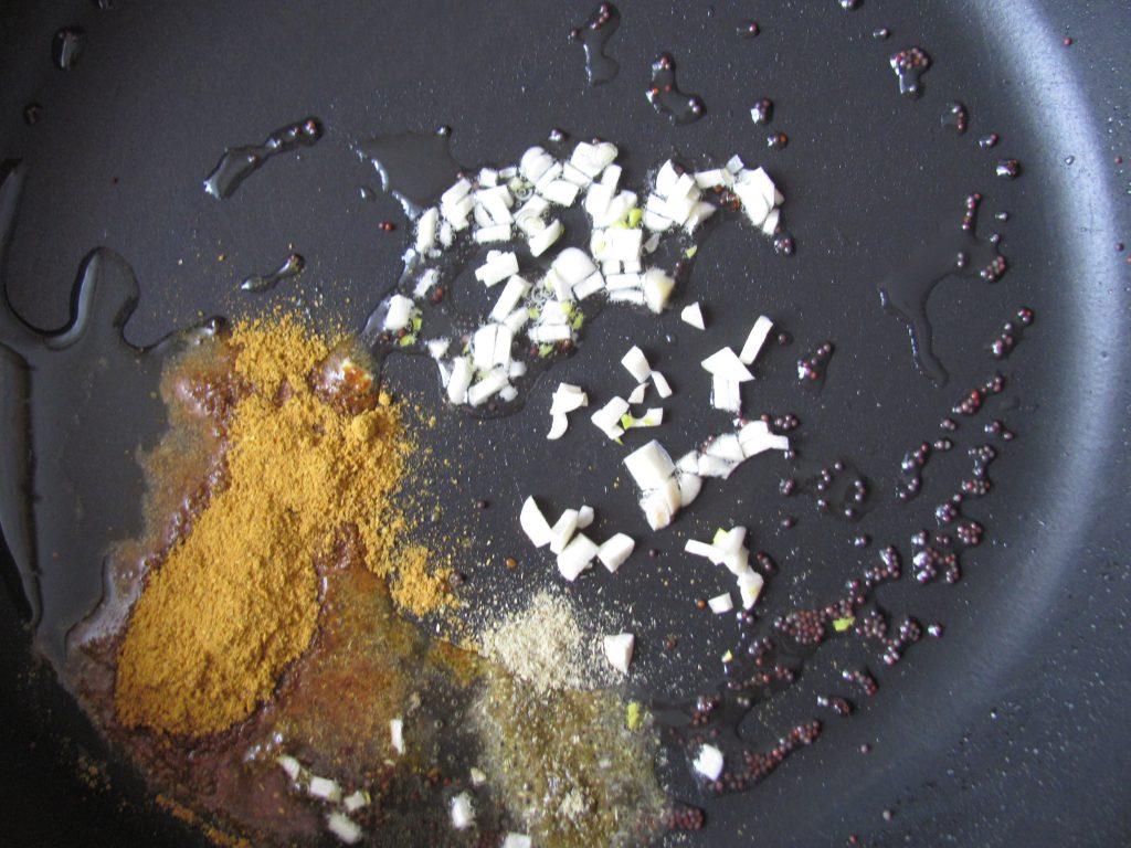 Фото рецепта - Спагетти с кабачком, морковью и мясным фаршем - шаг 6