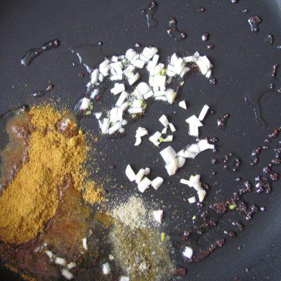 Фото рецепта - Острые блины с мясным фаршем - шаг 11