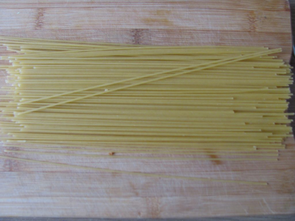 Фото рецепта - Спагетти с кабачком, морковью и мясным фаршем - шаг 12