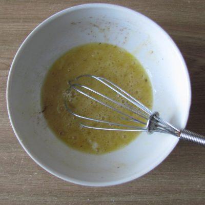 Фото рецепта - Яблочные дольки в кляре (оладьи) - шаг 2