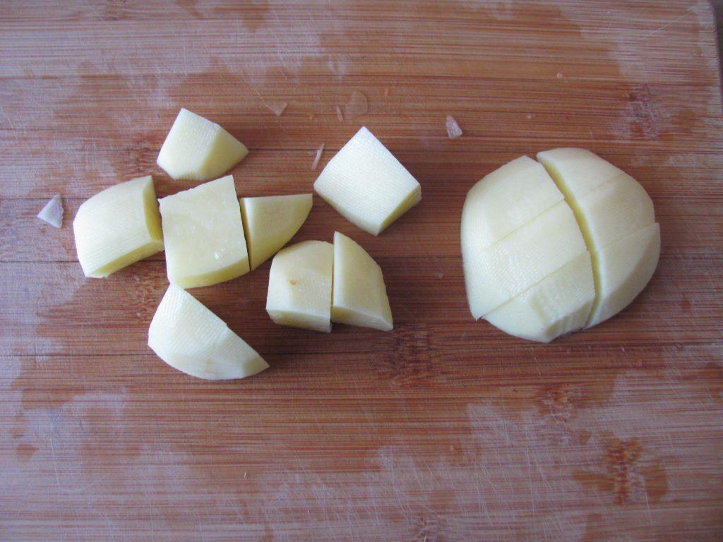 Фото рецепта - Картофель по-индийски (тушеный) - шаг 1