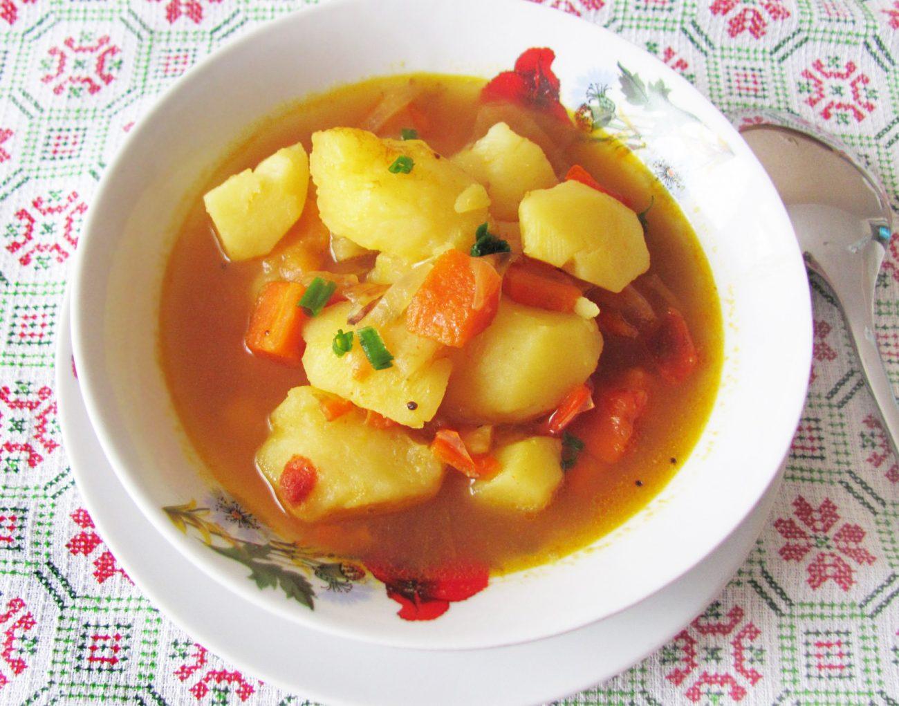 Картофель по-индийски (тушеный)