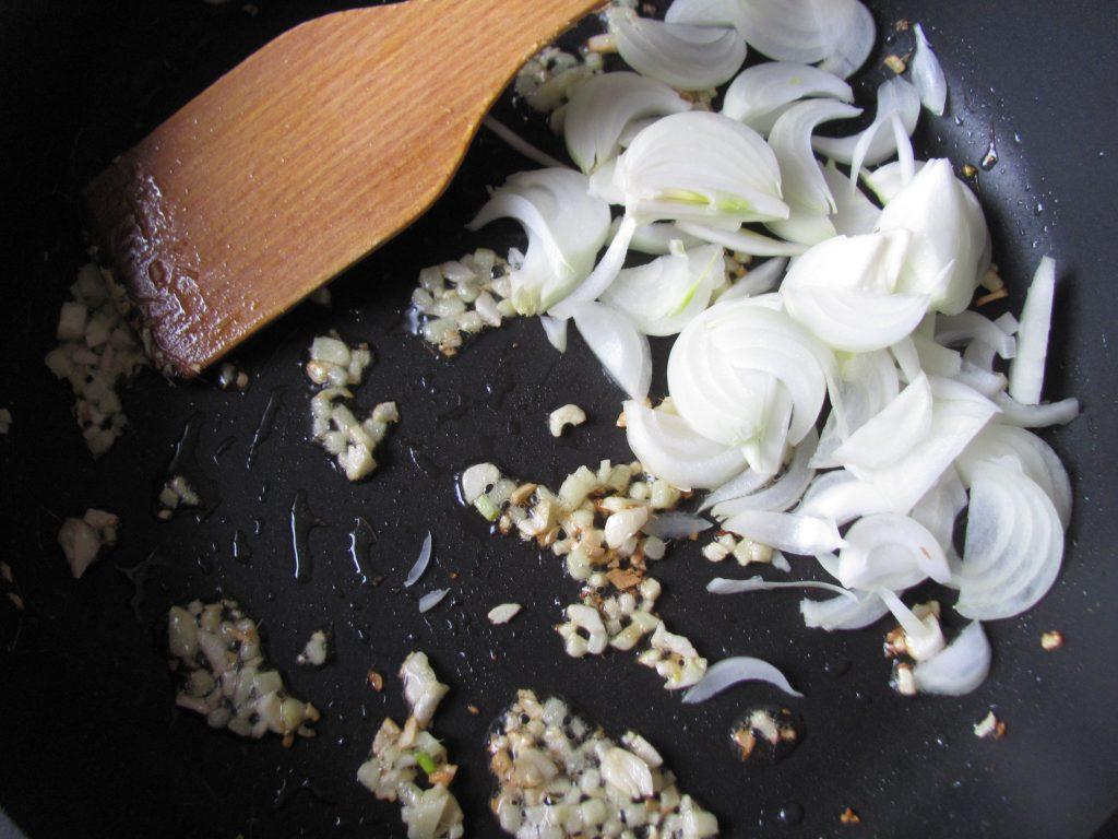 Фото рецепта - Рис с болгарским перцем и мидиями - шаг 3