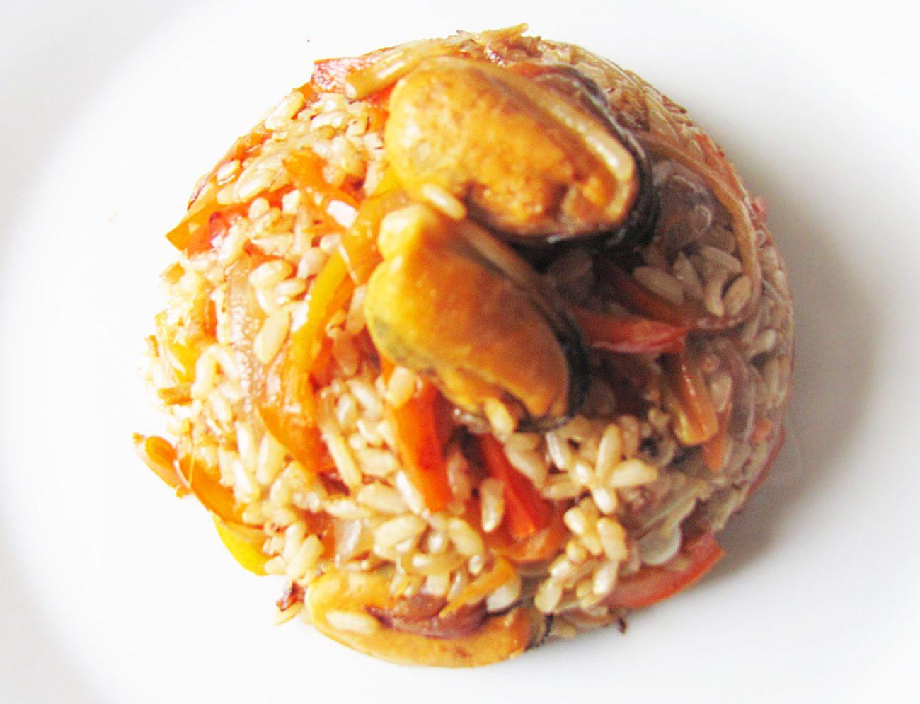 Рис с болгарским перцем и мидиями