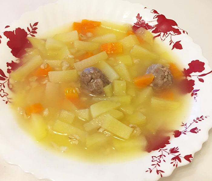 Овощной суп с геркулесом и фрикадельками для детей