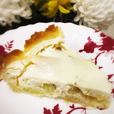 Яблочный пирог под сметанным кремом - рецепт с фото