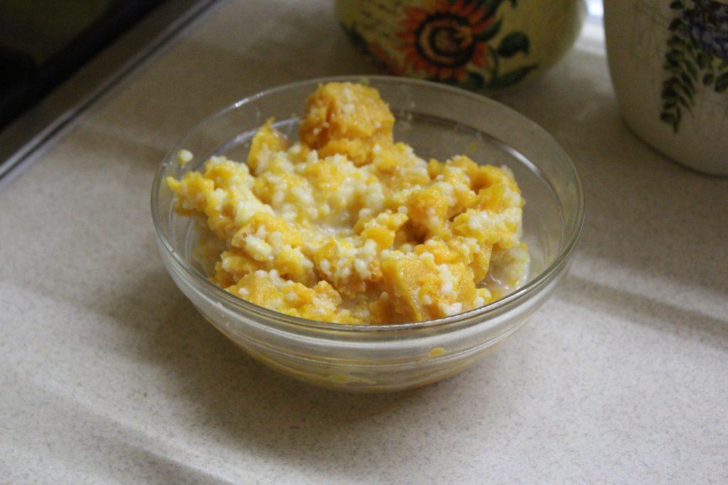 Фото рецепта - Тыквенная каша с кускусом на молоке - шаг 5
