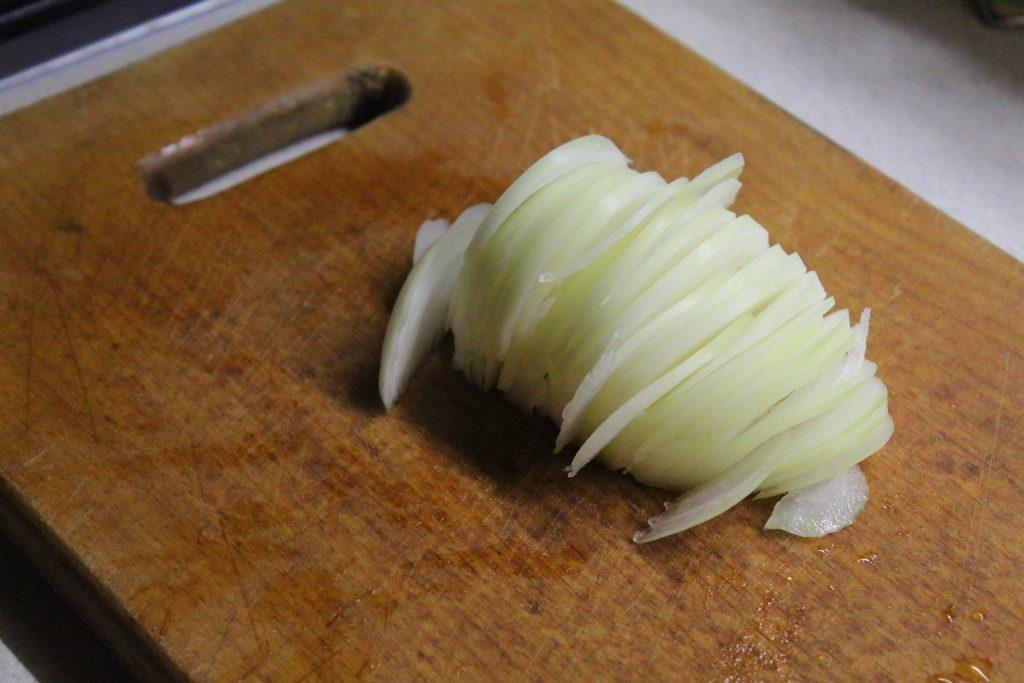 Фото рецепта - Маринованная щука с луком и специями - шаг 3