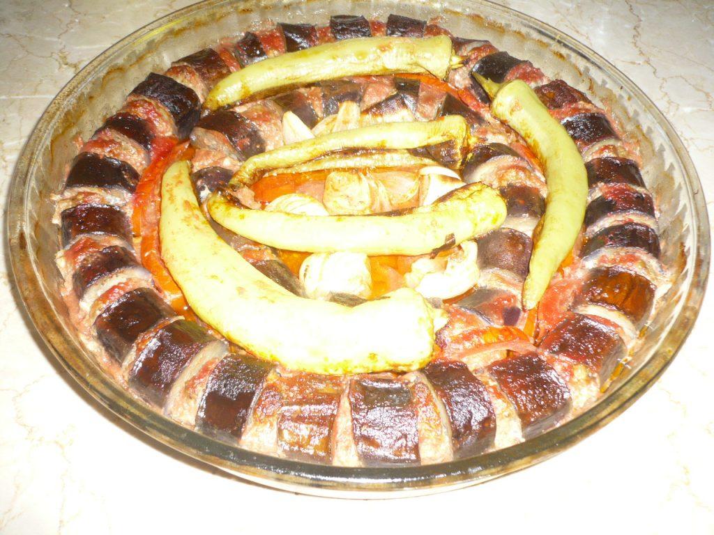 Фото рецепта - Кебаб из свино-говяжьего фарша с баклажанами (по-турецки) - шаг 6