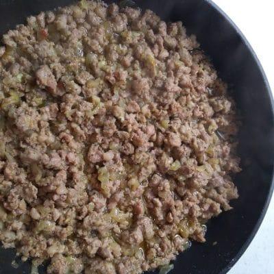 Фото рецепта - Картофельная запеканка с фаршем в духовке - шаг 2