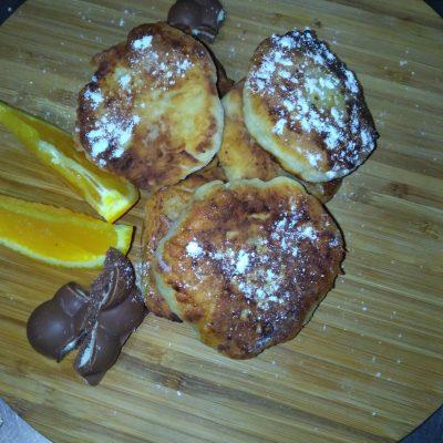 Фото рецепта - Сладкие сырники из домашнего творога - шаг 4